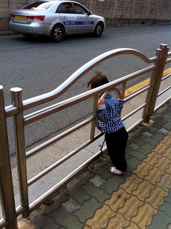 민규 거리 걷기.jpg
