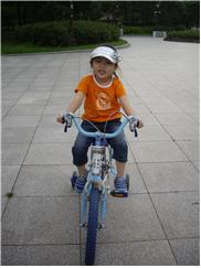 민지 자전거.jpg