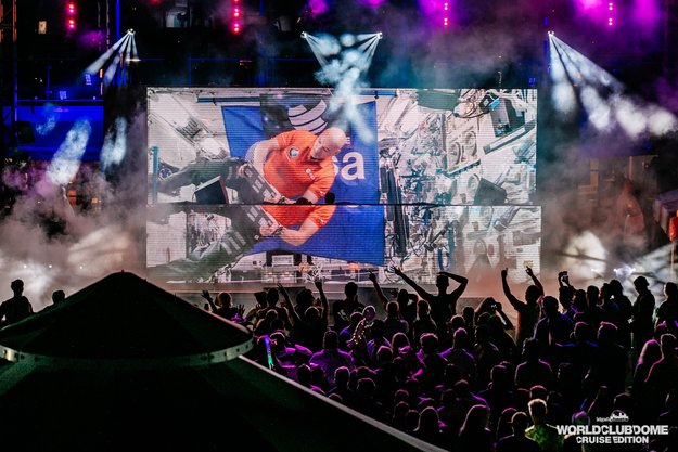 DJ_set_3_large.jpg