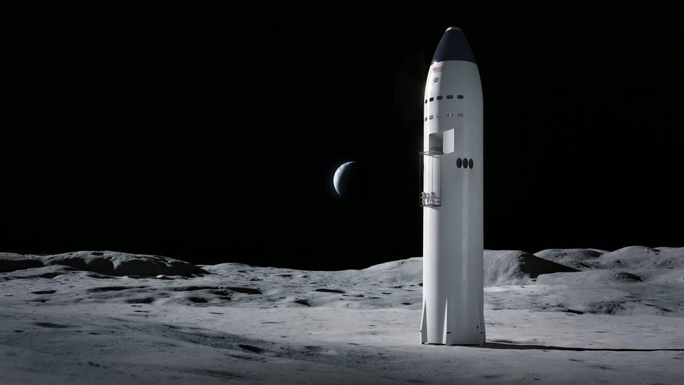 moon13-starship_moon_astronauts.jpg