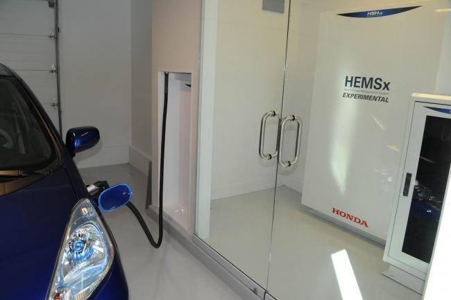 fit-ev-direct-solar-charging-650x433-c.jpg