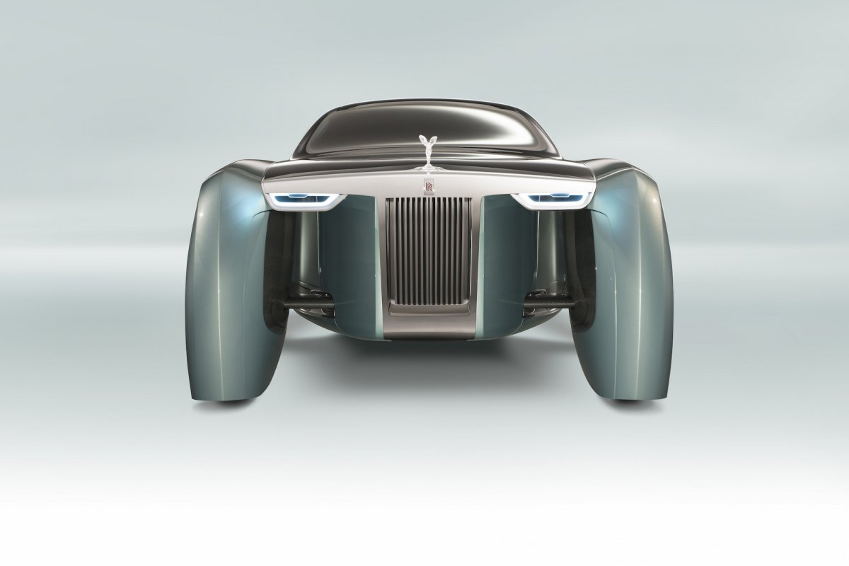rolls-royce-designers-sought-to-evoke-elements-from-luxury-yachting-as-well-as-classic-models-from-the-companys-history.jpg
