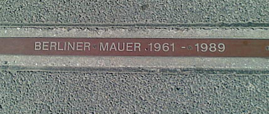 BERLINER_MAUER_1961–1989_plaque.jpg