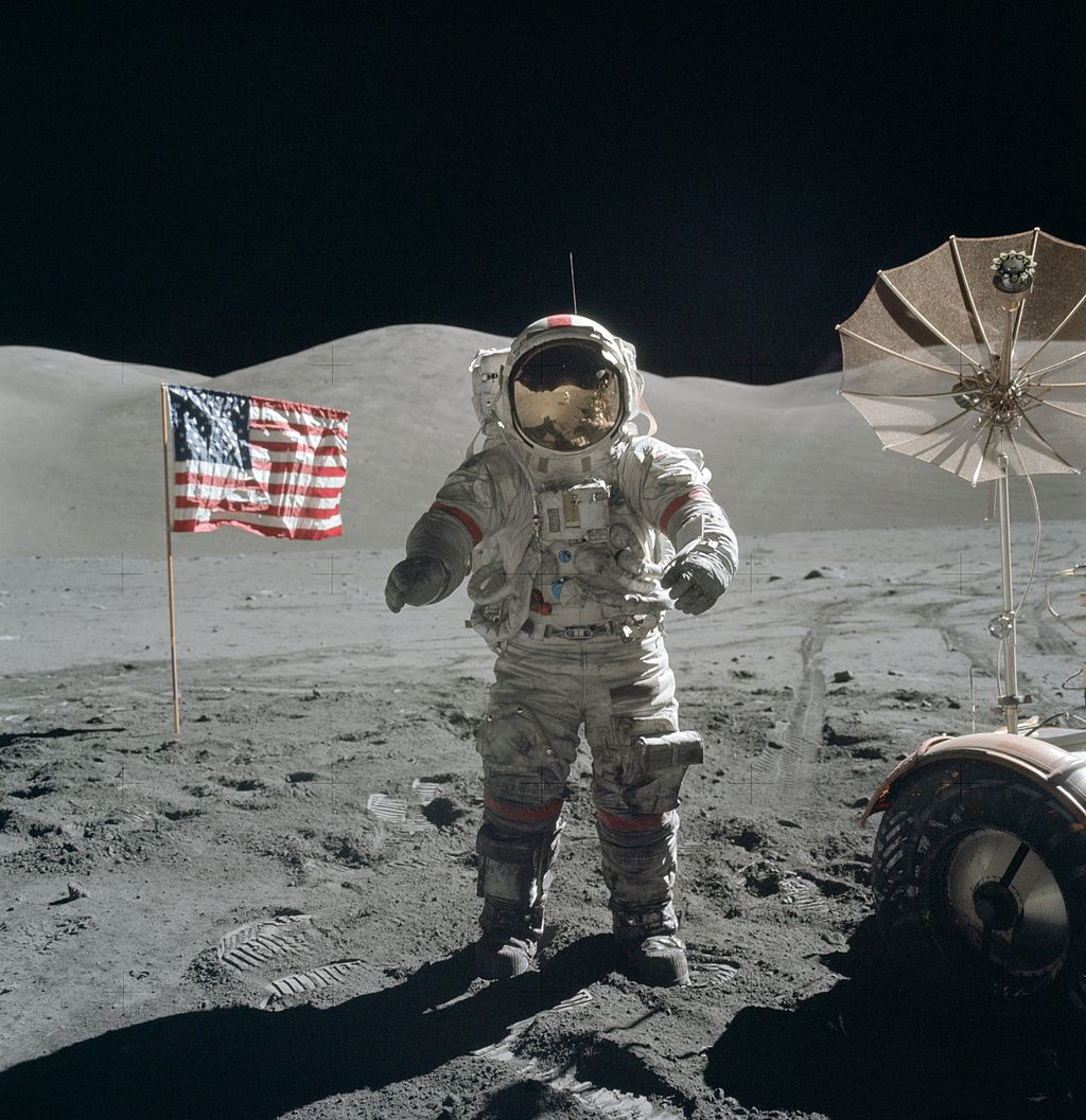 1024px-Apollo_17_Cernan_on_moon.jpg