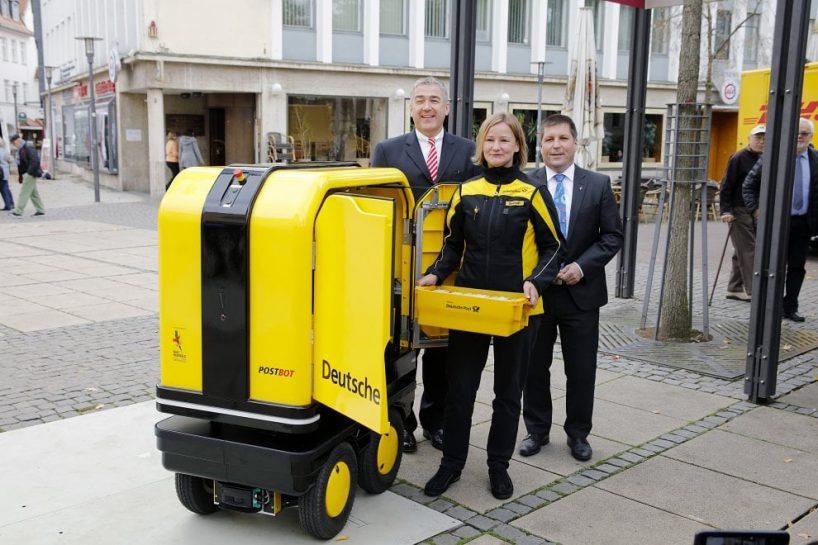 post-deutsche-group-postbot-designboom-1-1-818x545.jpg