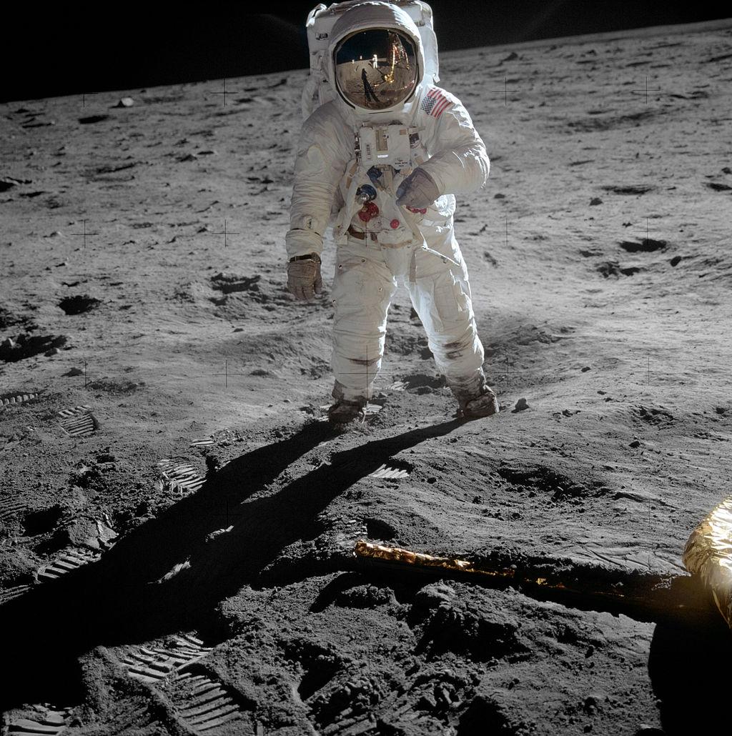 moon-Aldrin_Apollo_11_original.jpg