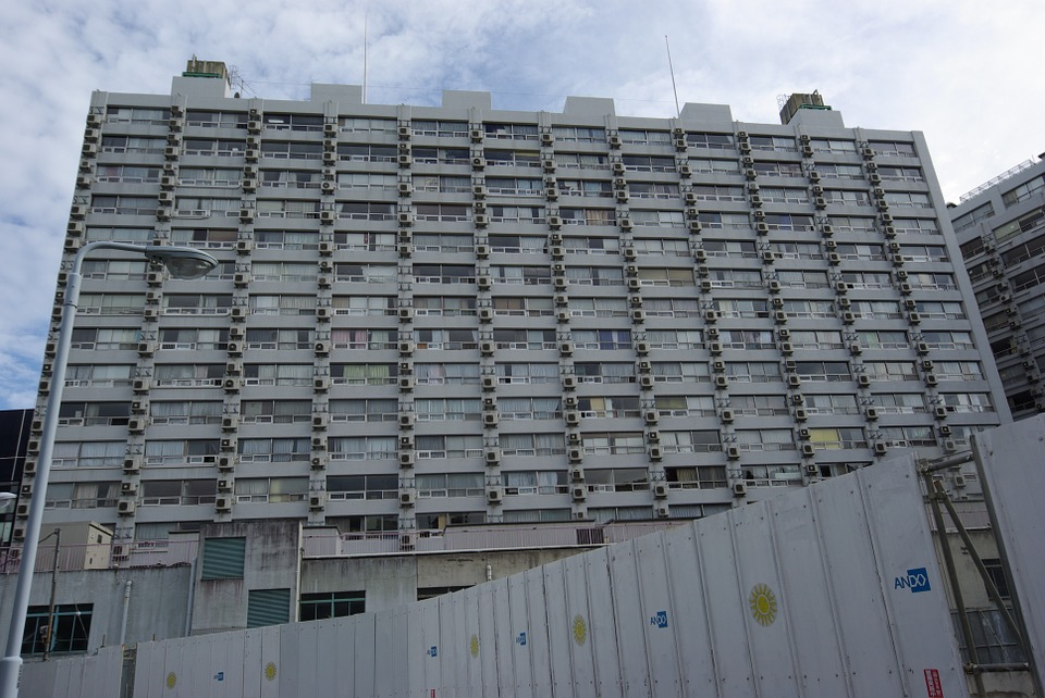 apartments-810392_960_720.jpg