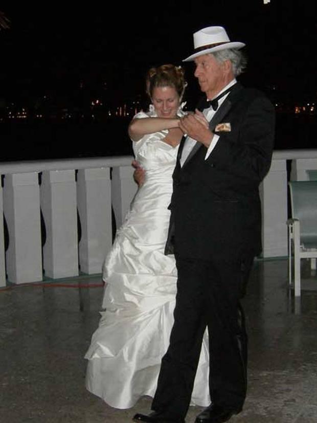 결혼식서 딸과춤.jpeg