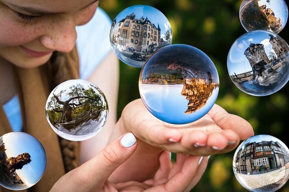 glass-ball-1767291_960_720.jpg