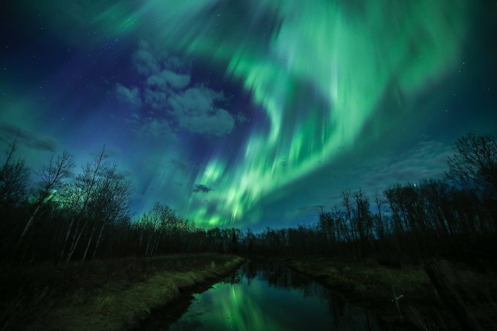 a8-Northern-Lights-photographer-of-the-year-Jeanine-Holowatuik.jpg