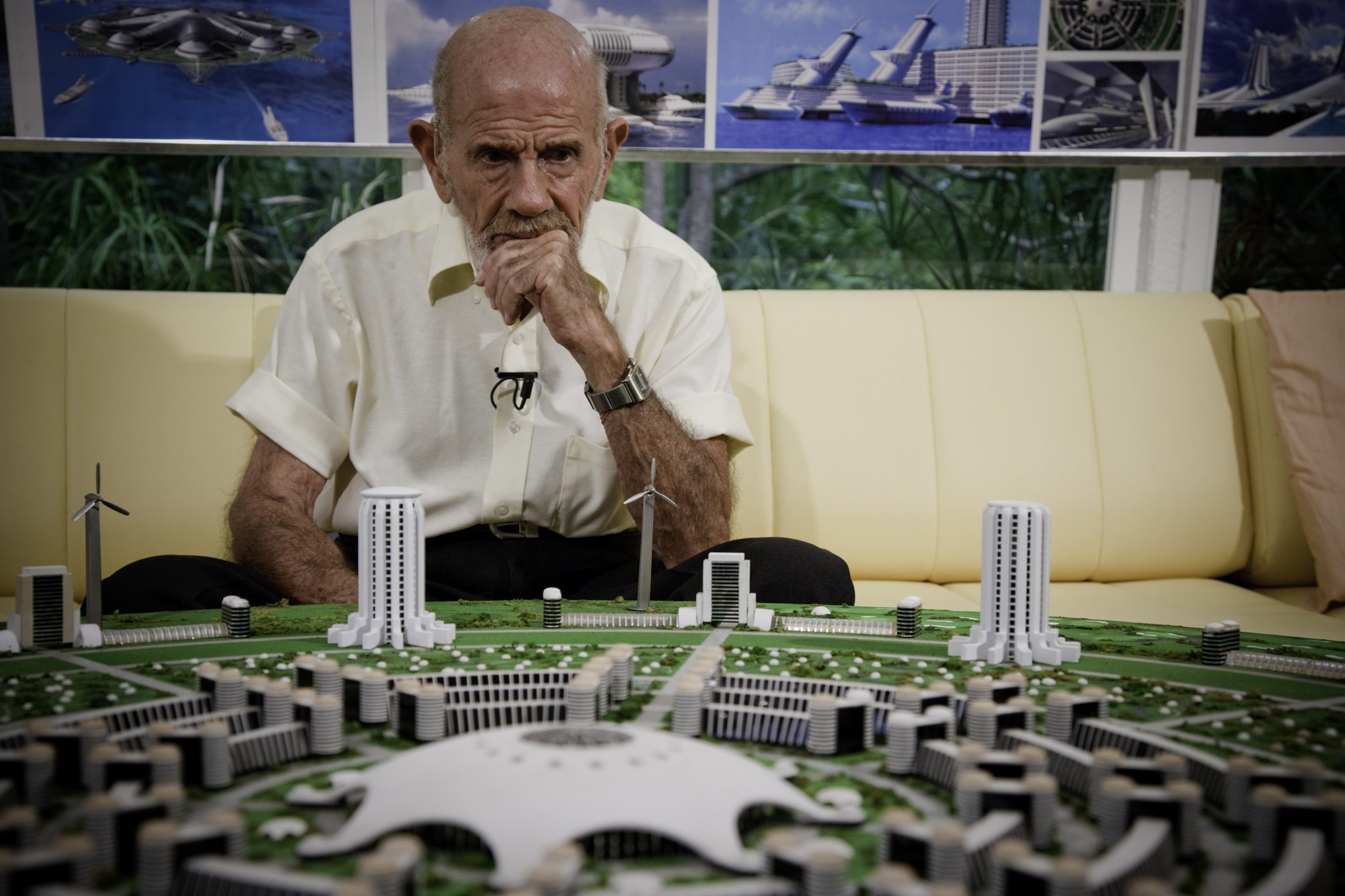 Jacque-Fresco-city-model.jpg