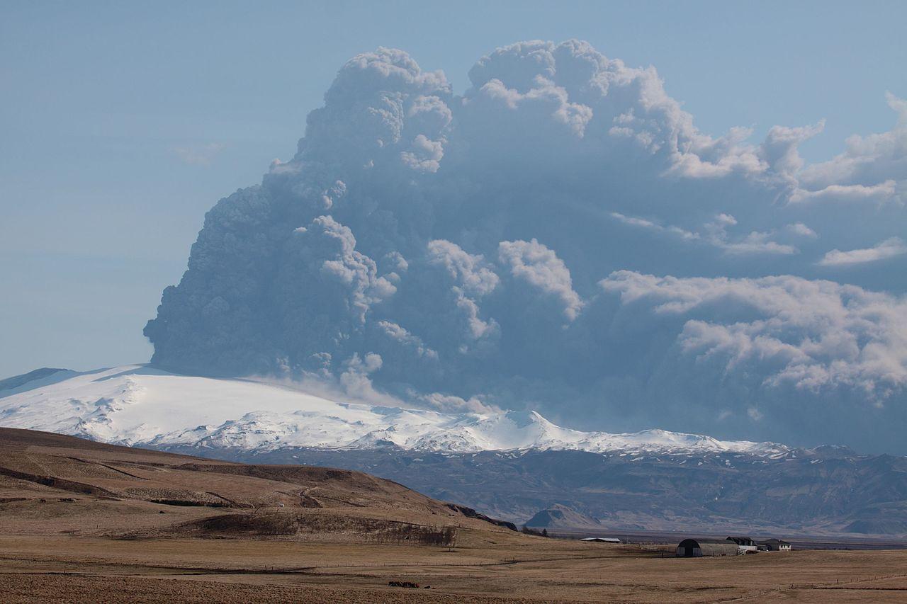 volcano_plume_2010_04_17.jpg
